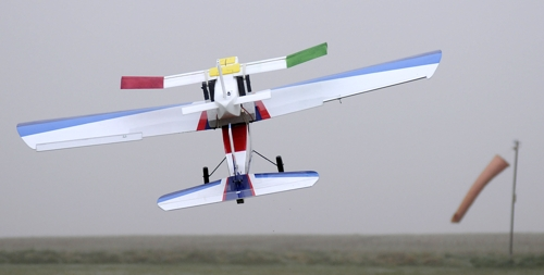 The new ASTRA glider undergoes air-launch tests